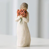 Willow Tree Figurine: Surrounded By Love