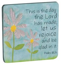 Petal of Praise Magnet: This is the Day... White Daisies (Psalm 118:24)