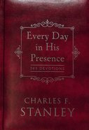 Every Day in His Presence: 365 Devotions Hardback