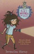 Alice-Miranda Shines Bright (Alice-miranda Series)