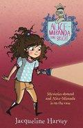 Alice-Miranda Shines Bright (Alice-miranda Series) Paperback